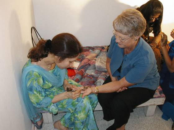 Joan getting a Mehndi