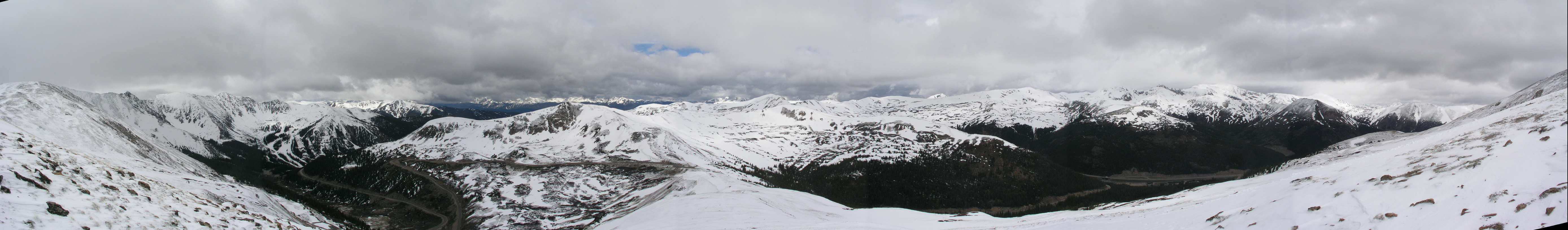A nice panoram from Lonny around 13,000 ft at the Divide