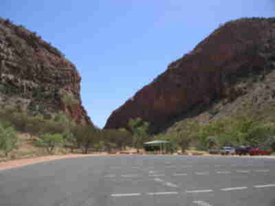 The parking area leading to Simpsons Gap
