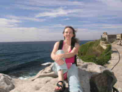 Lisa, perched atop the coastal cliffs of Sydney