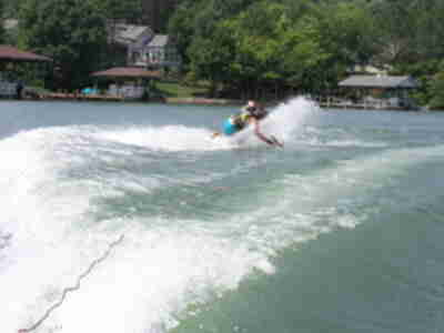 Jay, wiping out on a 360 on the kneeboard