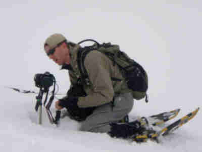 Lonny sets up a great MacGyver snow tripod