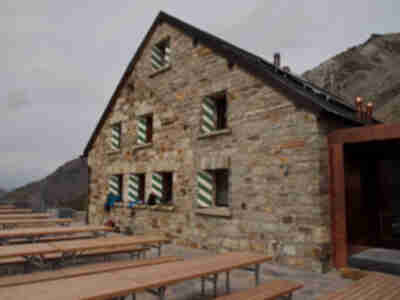 The old portion of Cabane de Moiry